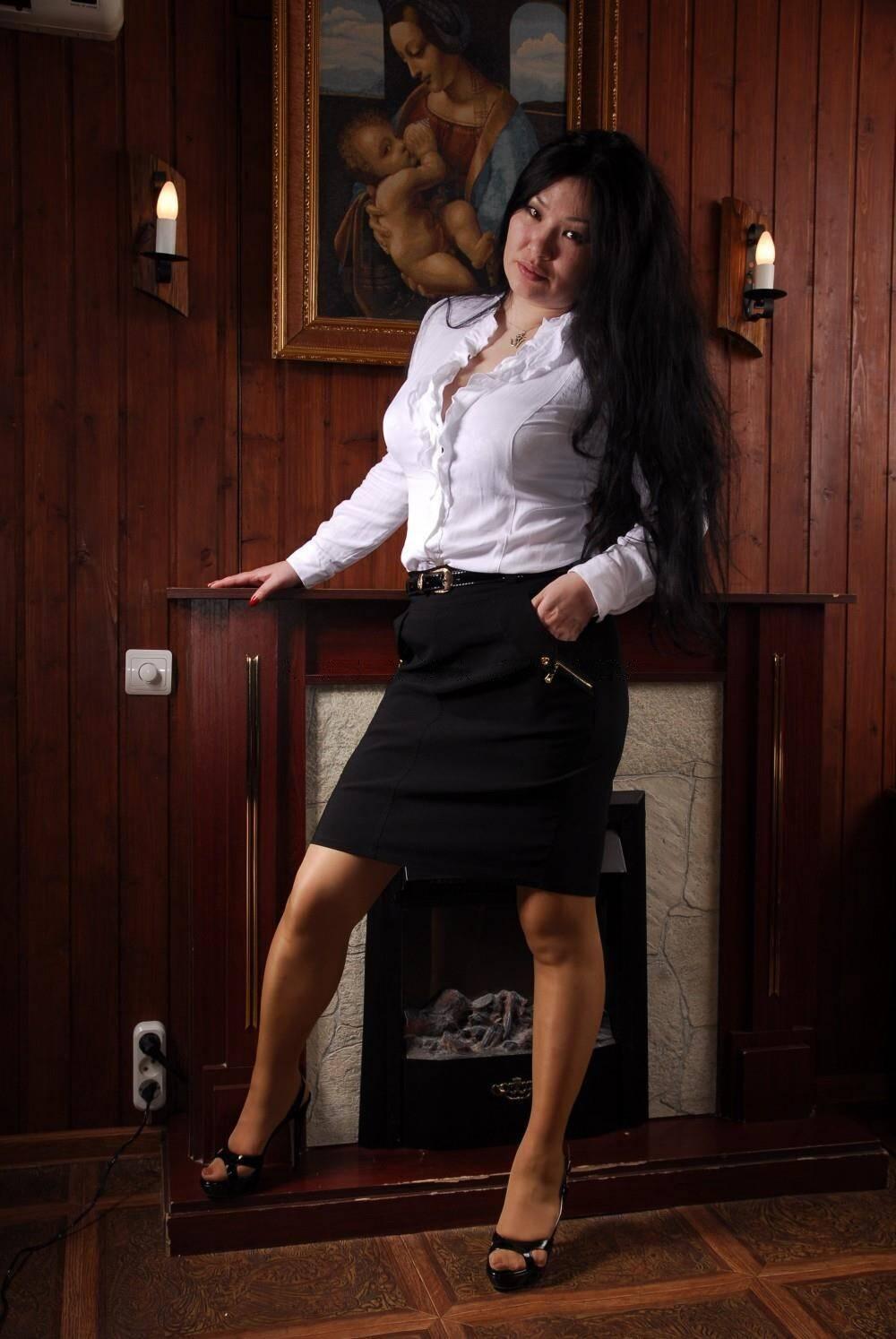 Массажистка Мия